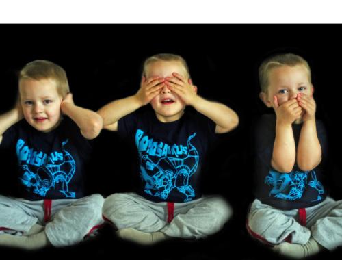 Triplets-see-no-evil2160