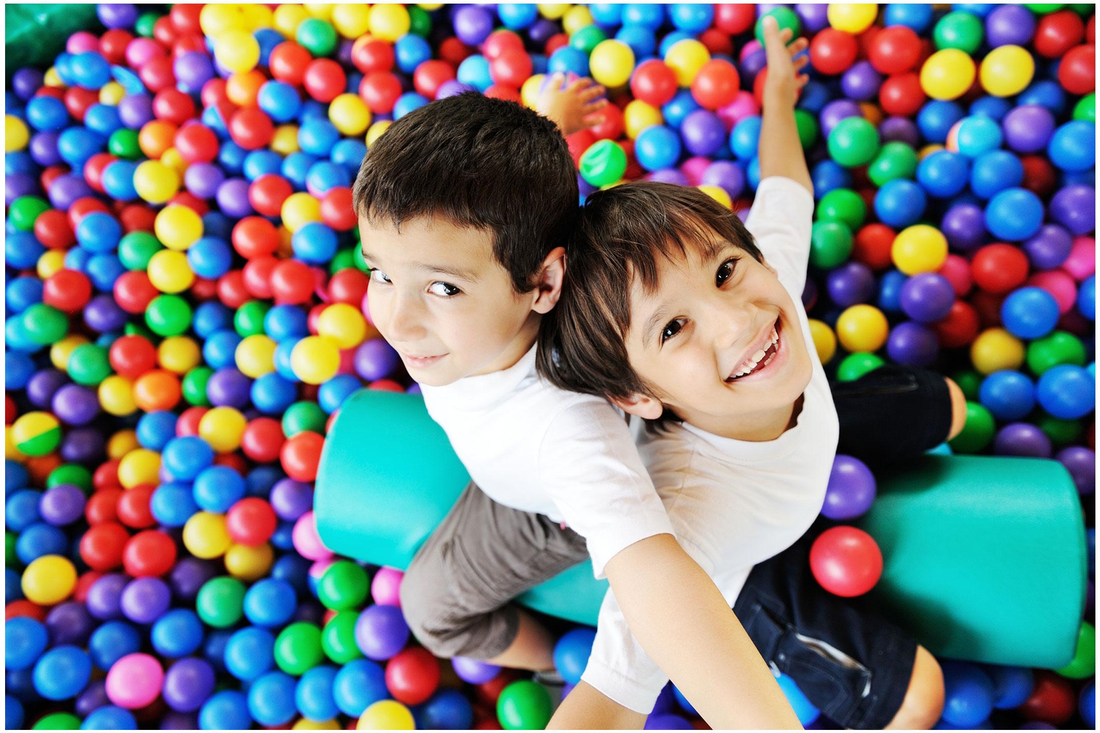 smiling-boys-playing-in-ballpool2160