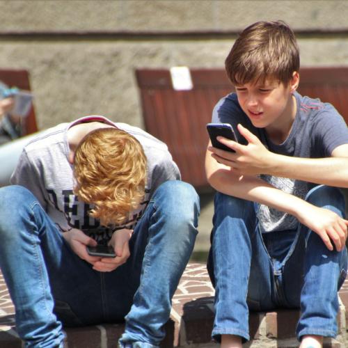 teen-boys-smartphone2160