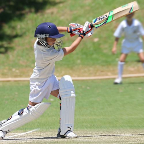 boy-holding-cricket-bat2160