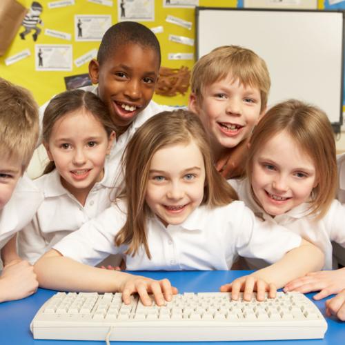 happy-uniformed-school-kids1440