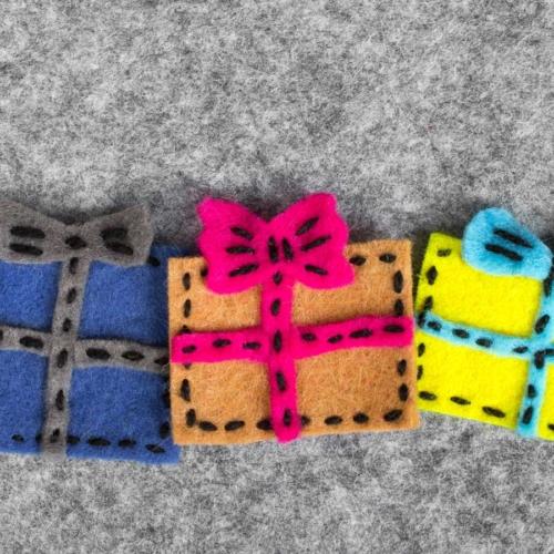 colourful-felt-gifts