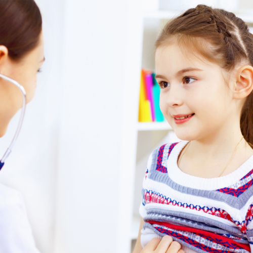 Little-girl-at-doctors2160