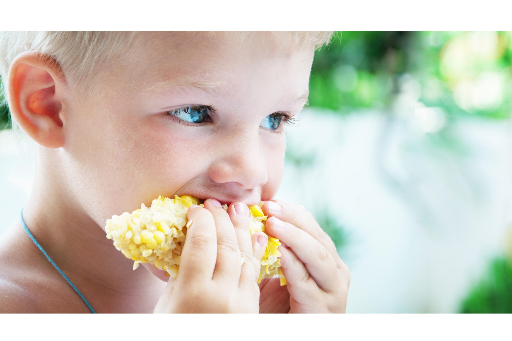 boy-eating-corncob-2160