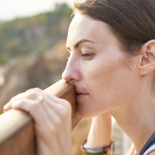 woman-contemplating2160