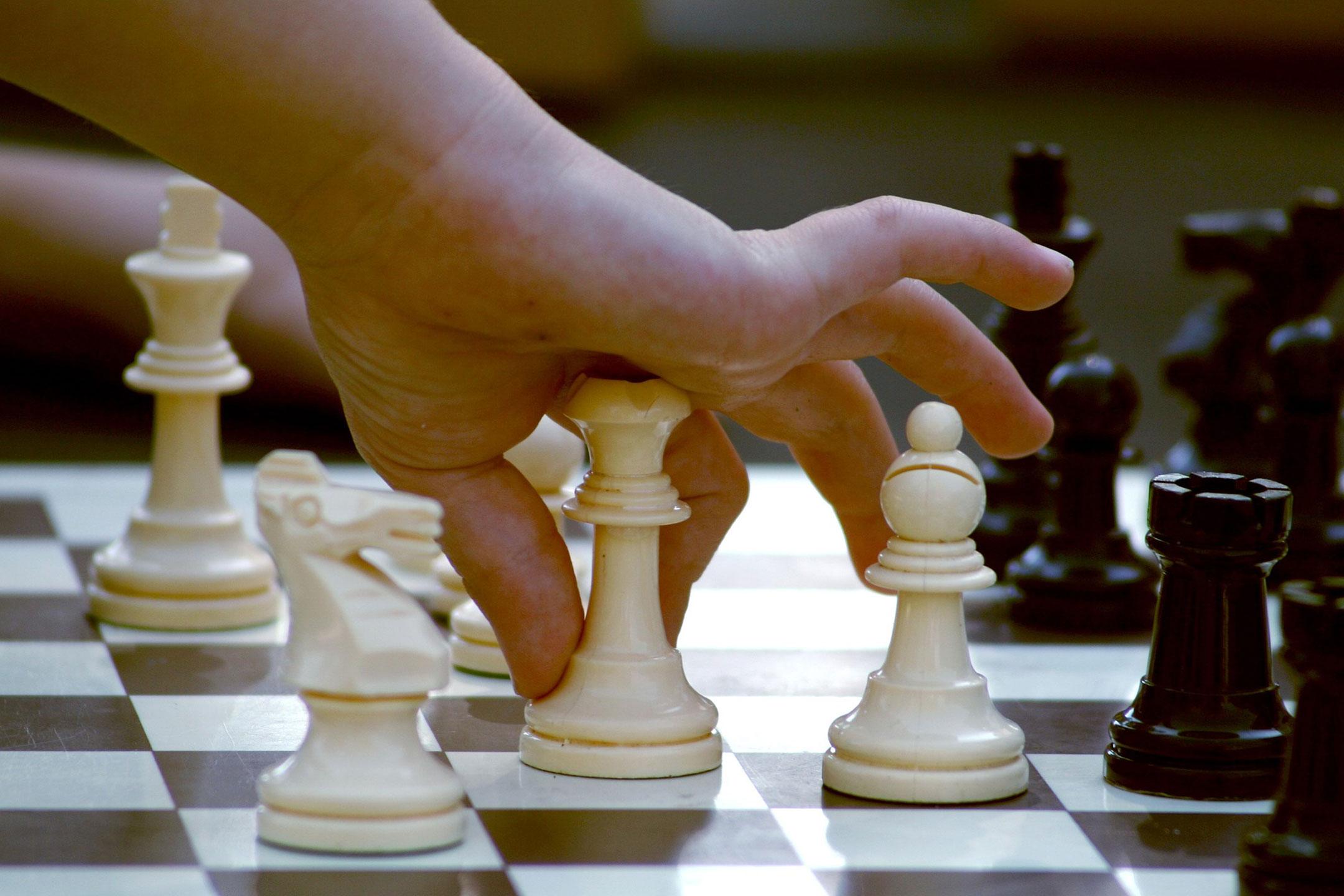 chess-childs-hand2160