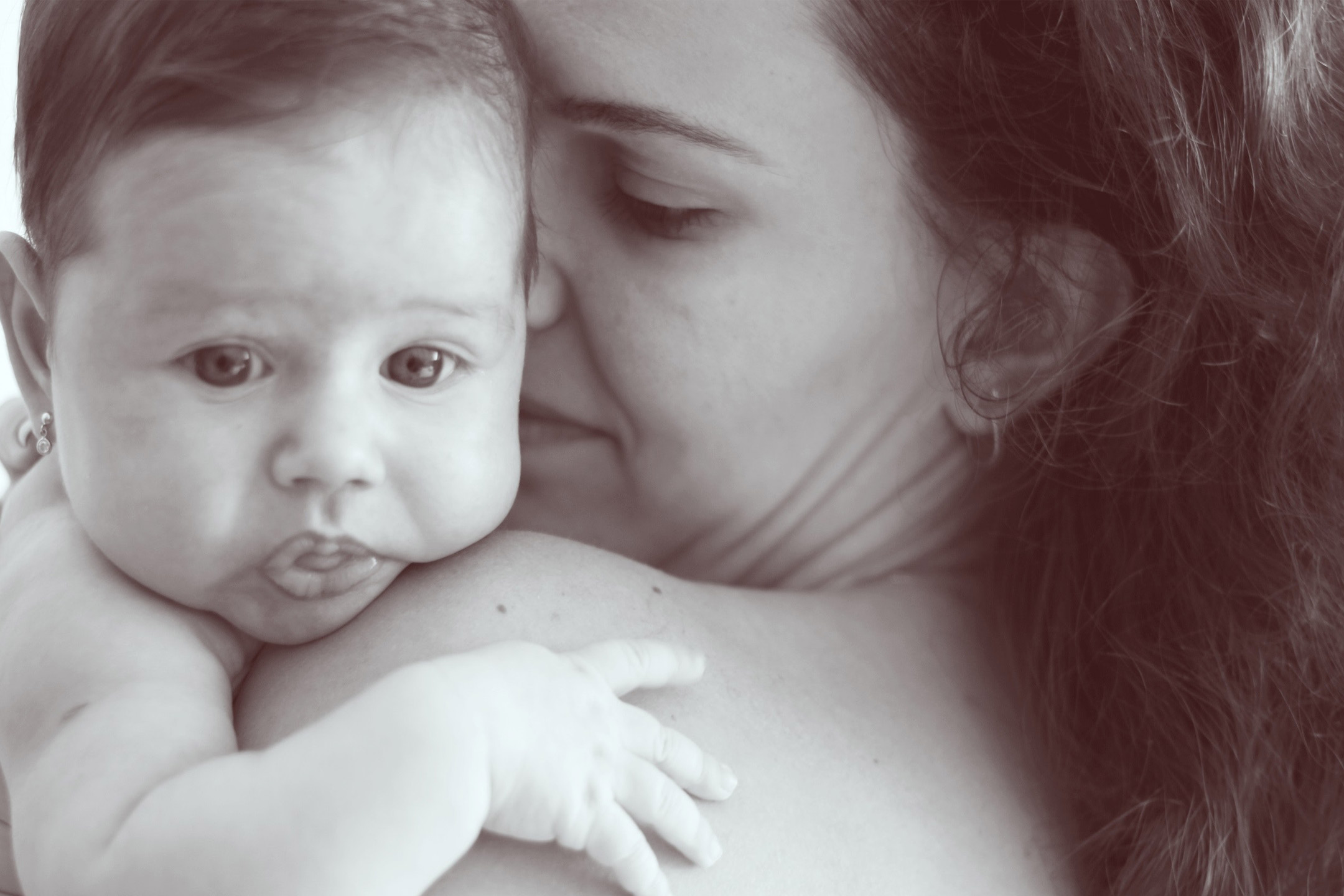 mono-baby-mum2160
