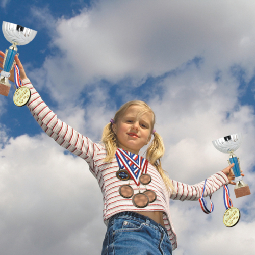 girl-medals-winner2160