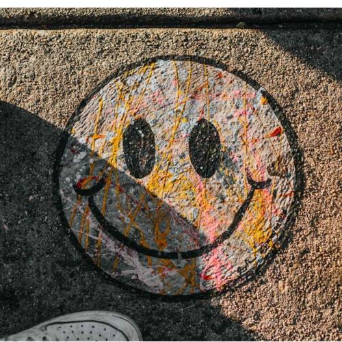 happy-emoji-face2160
