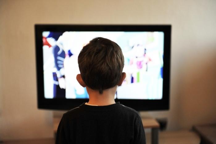 Boy-watching-tv