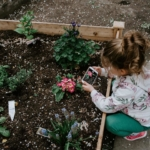 child-gardening2160