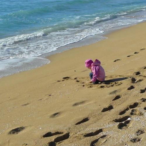 sand-beach-toddler-2160