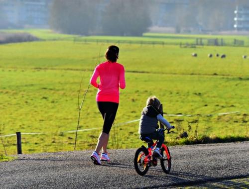 woman-jogging-child-bike2160