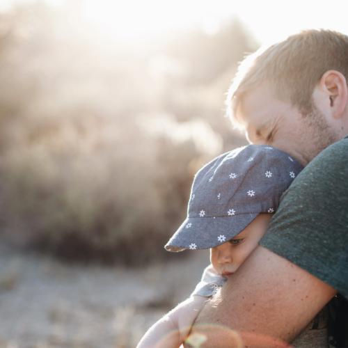 fatherhood-cuddle2160
