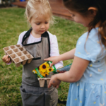 girls-sowing-sunflowers2160
