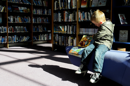 library child-reading