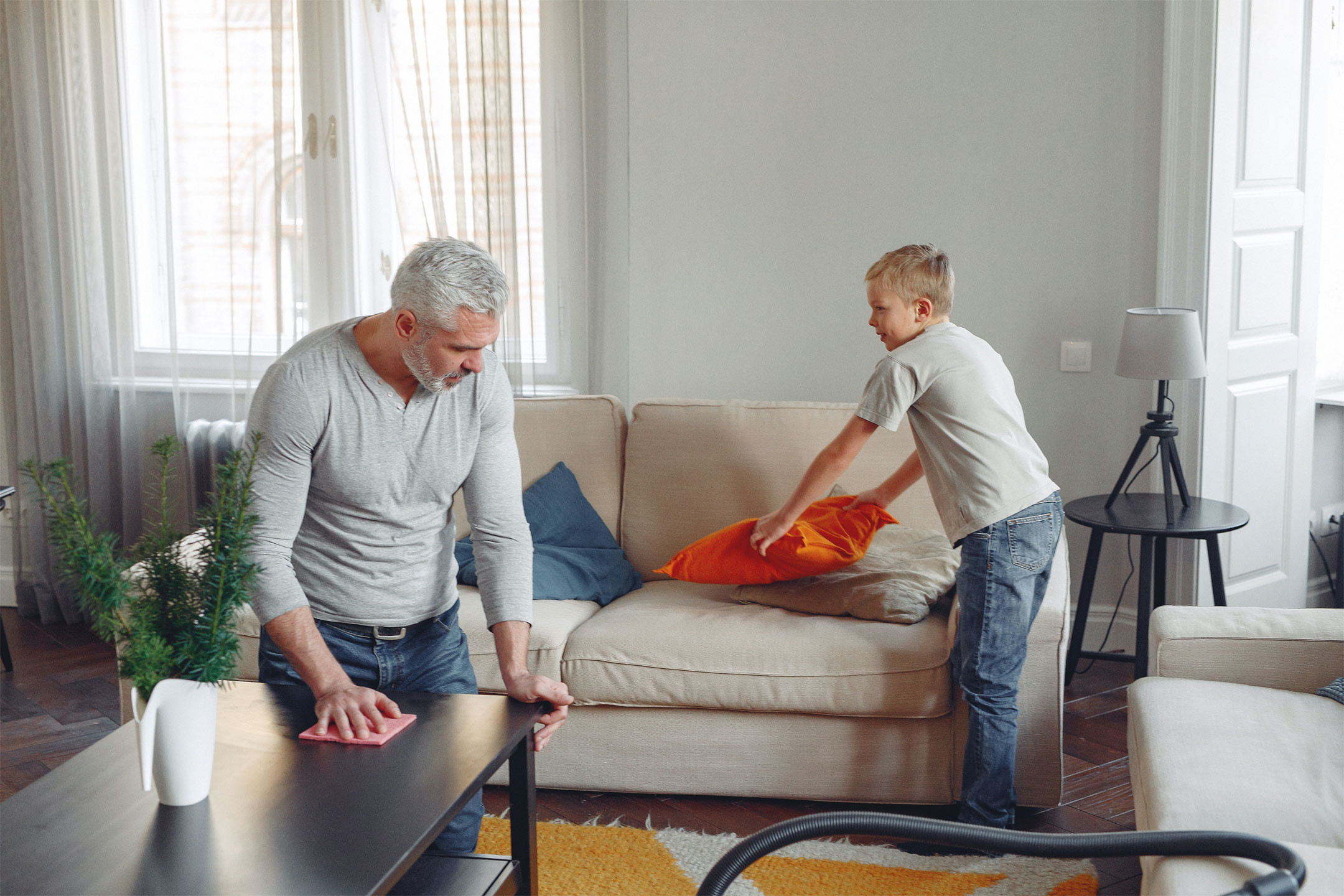 father-son-cleaning2160