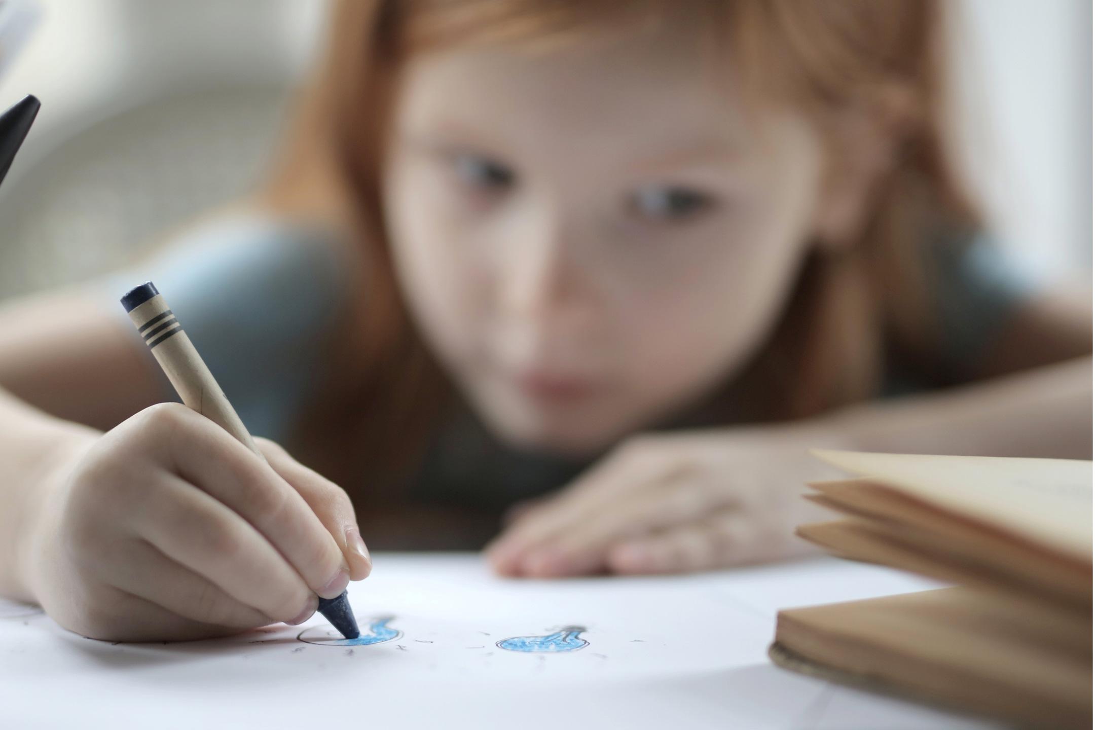 girl-drawing-crayon2160