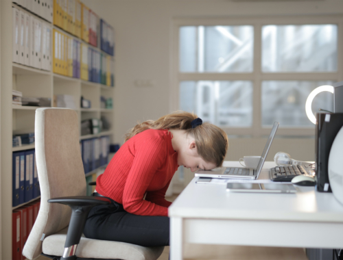 woman-tired-laptop2160