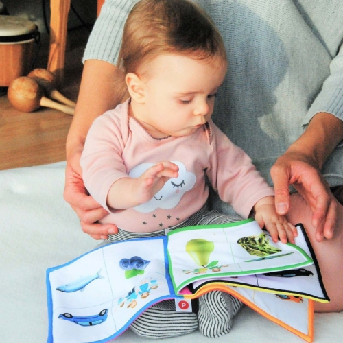 child-mum-reading-cloth-book2160