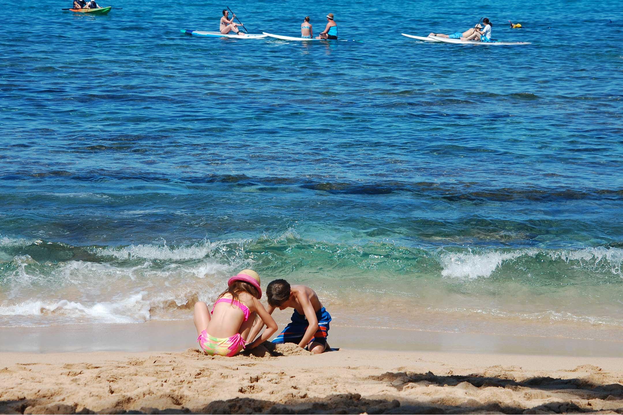 kids-on-beach-playing2160
