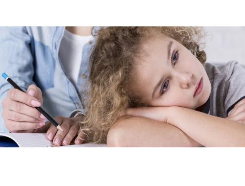 resentful-anxious-child-mum2160
