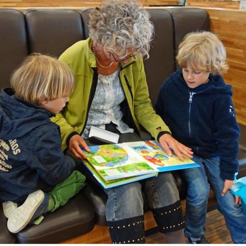 reading-book-two-boys-grandma2160