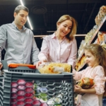family-grocery-shopping2160