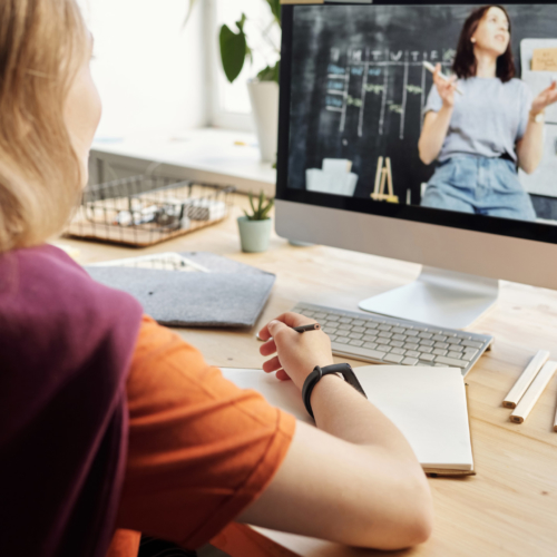 girl-online-learning-watching-teacher2160