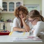 homework-mum-girl-kitchen2160