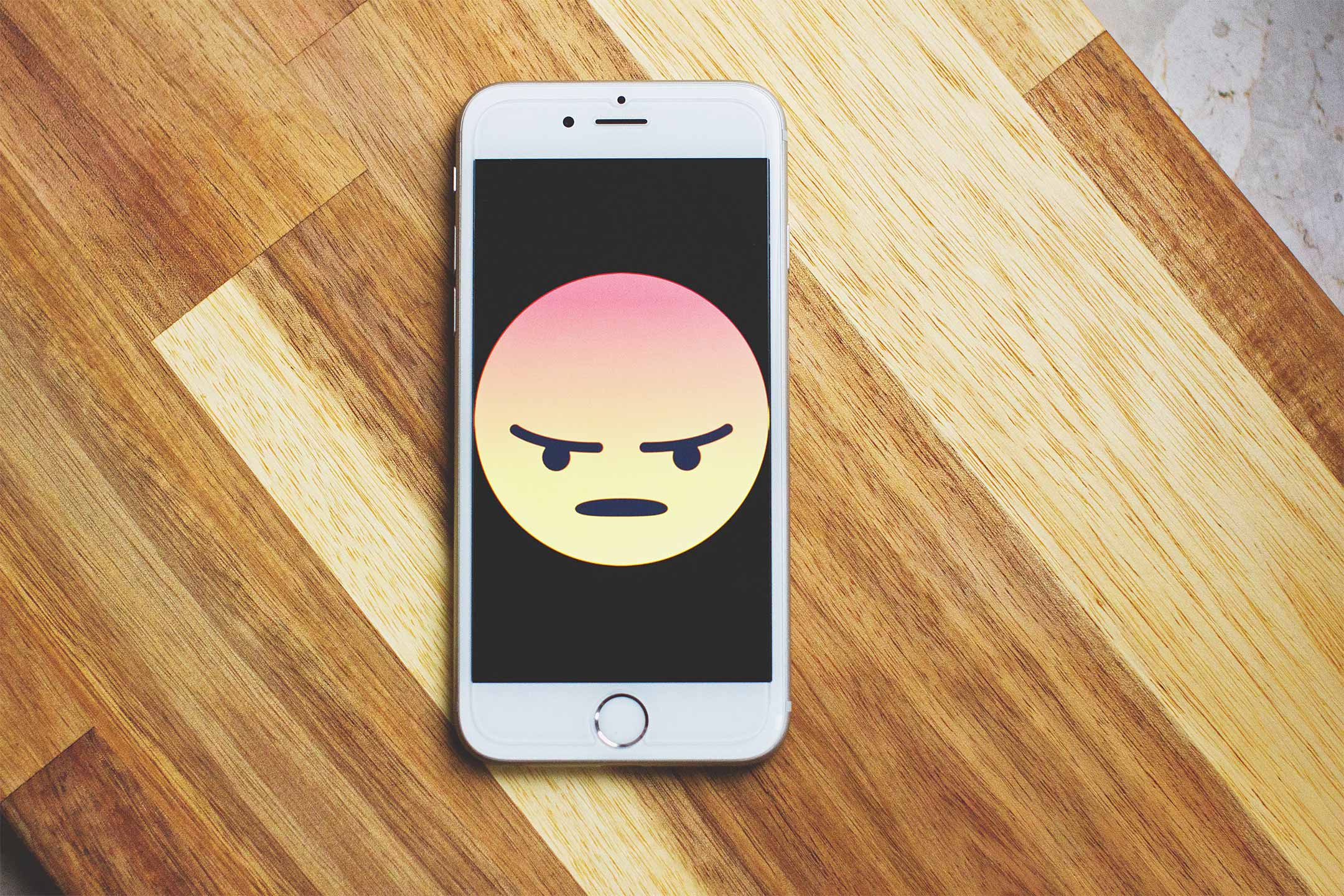 iphone-angry-emoji2160