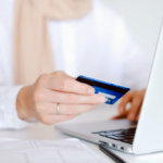 credit-card-woman-fraud2160