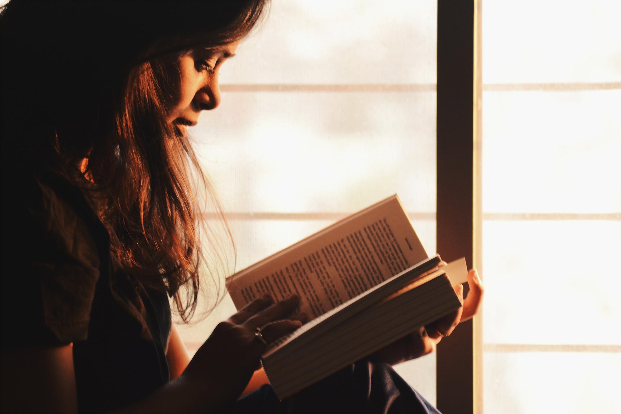 teen-reading-book2160