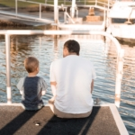 boy-dad-waterside-chat2160