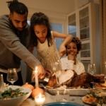 family-christmas-dinner2160