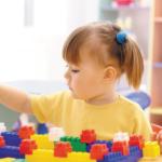 preschooler-playing-with-blocks2160