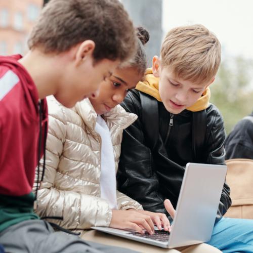 tween-looking-at-laptop2160