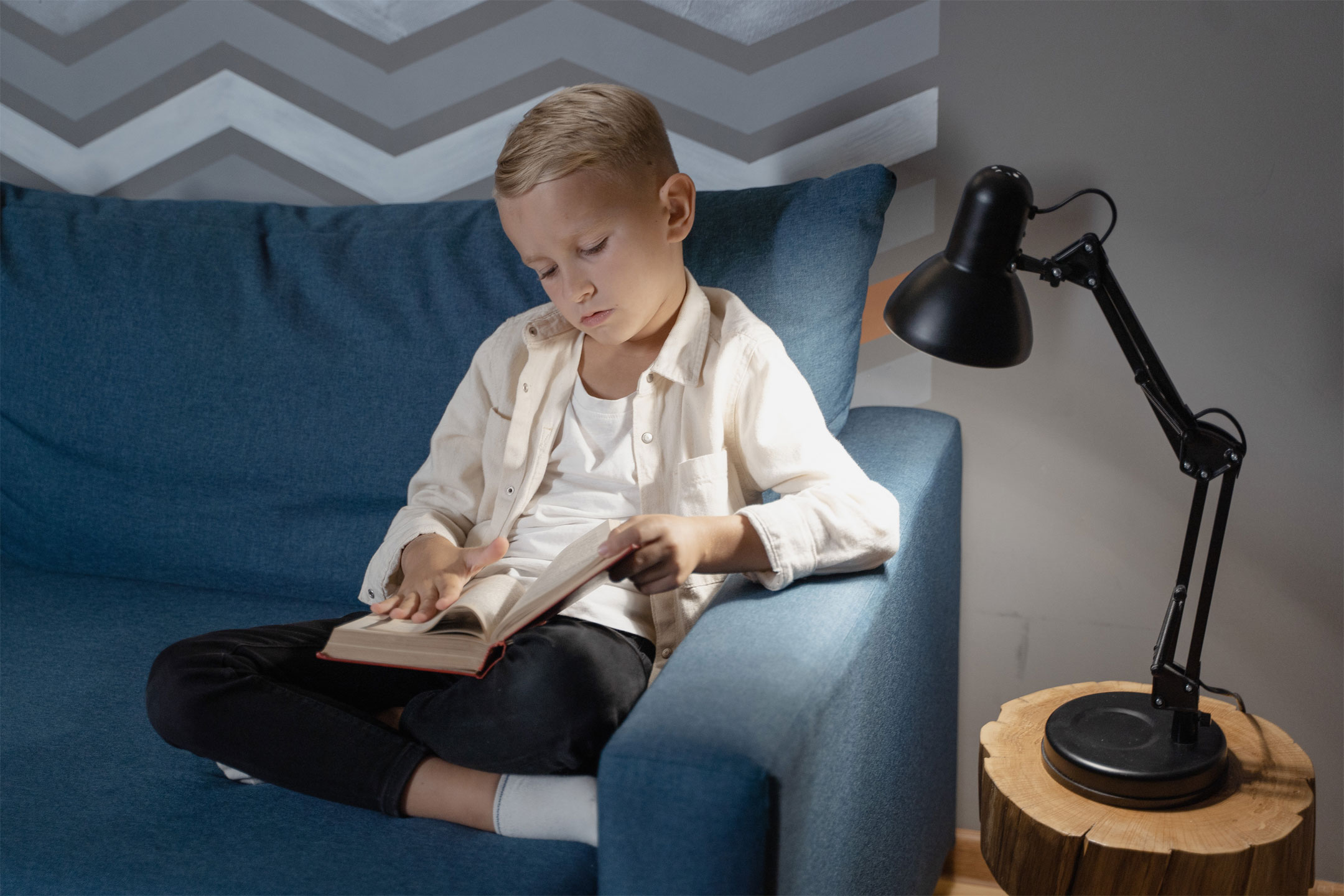 boy-on-couch-reading2160