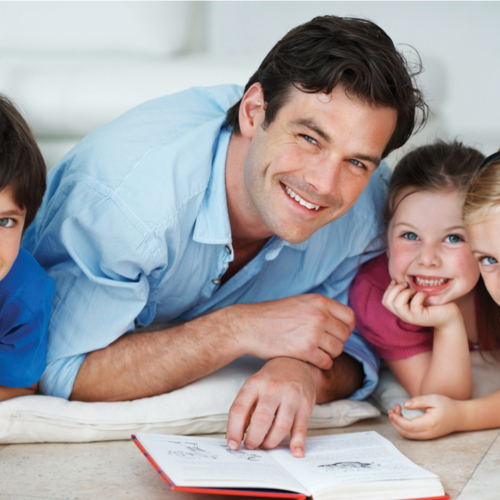 dad-and-cute-kids2160