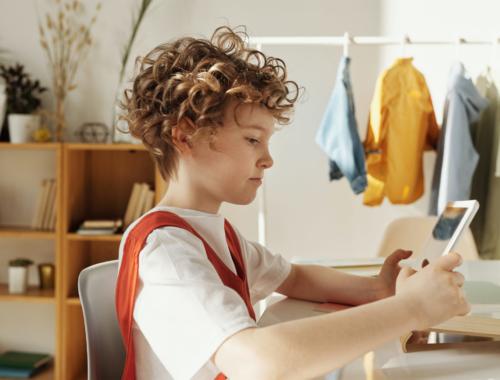 homeschooling-boy-on-phone2160