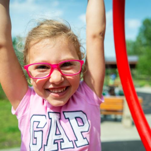 happy-girl-swing-glasses2160