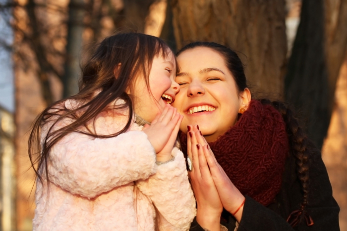 happy-mother-Down-syndrome-girl2160