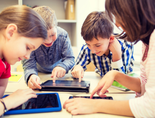 kids-at-school-on-tablets2160