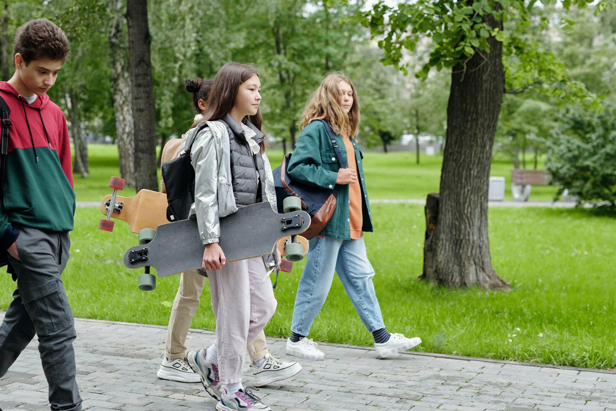 teens-casual-walking2160