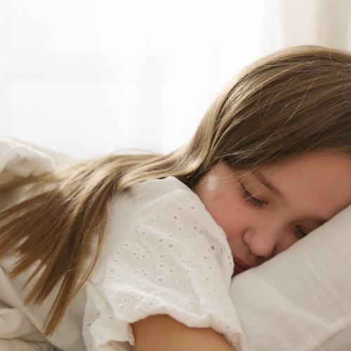 teen-girl-asleep-bed