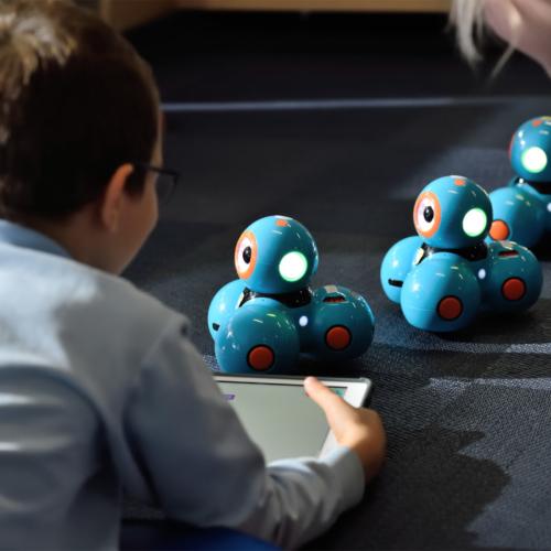 STEM-boy-with-robot-ducks2160