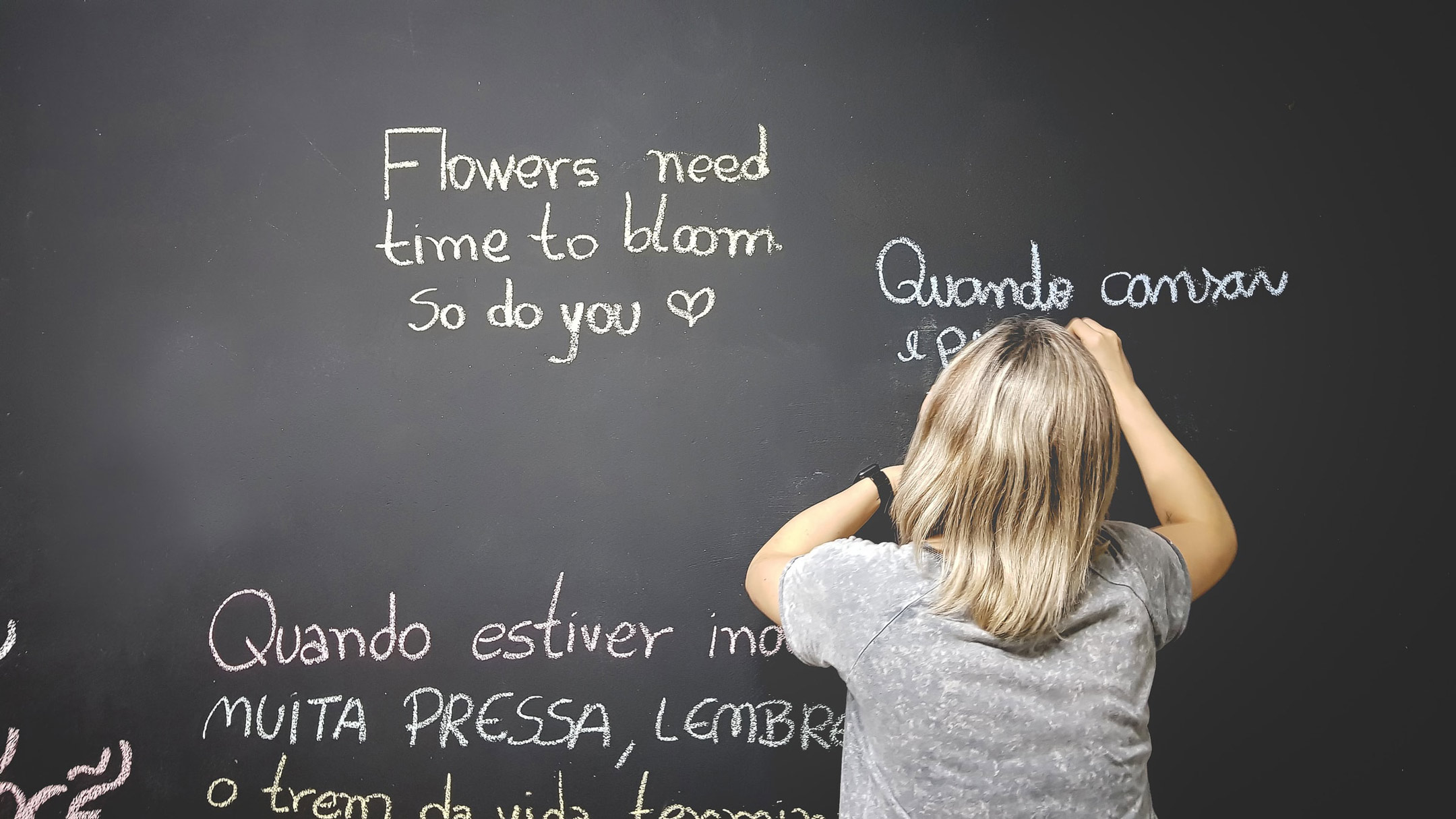 girl-at-blackboard-foreign-languages2160
