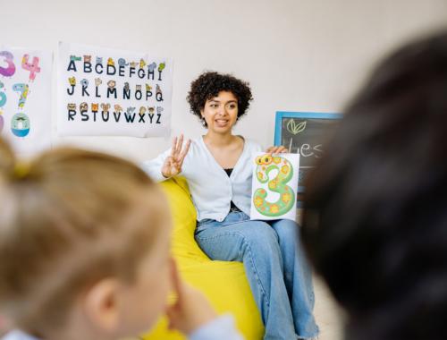teacher-and-infants-class2160