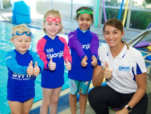 thumbs-up-swimming-kids-ASSA2160
