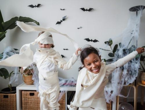 two-girls-halloween-fun2160